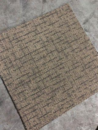 🚚 Carpet Tiles