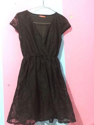 dress hitam brukat