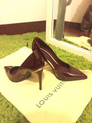 Louis Vuitton LV high heel pointed toe patented leather vernis leather amarante color chanel jimmy Valentino Dior gucci work