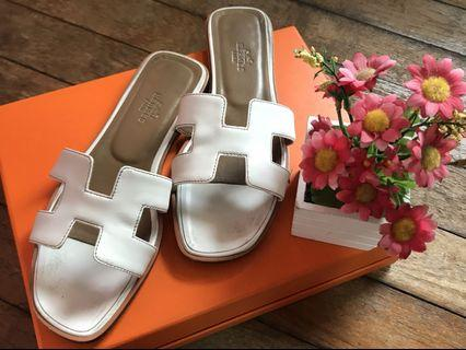 🚚 Hermes Oran Sandals Size 37