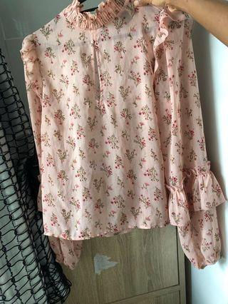 Pastel spring mini baby breath Floral Blouse transparent high neck collar puffed blouse Forever 21 contemporary f21