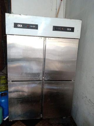 Kulkas GEA freezer + chiller