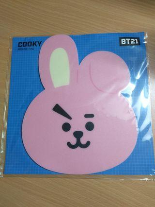 WTS BT21 MERCHANDISE GEL PEN AND MOUSE PAD