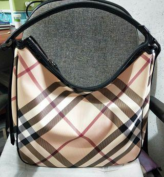 🚚 Authentic Burberry Nova Patent Sling Bag  #MRTRaffles