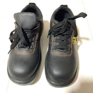 🚚 Black safety Boots / Shoes