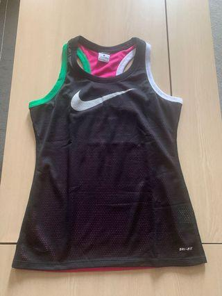 🚚 Almost New Authentic Nike Reversible Top