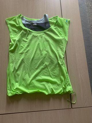 🚚 BNWOT Authentic Nike Top