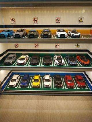 1/64 Carpark Display Case with Lighting