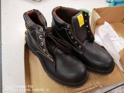 Safety Shoes DR MARTINI