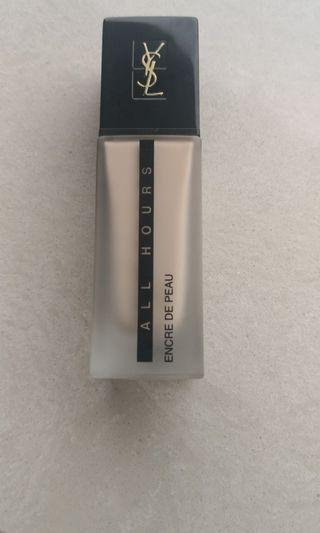 YSL All Hours Foundation in B10