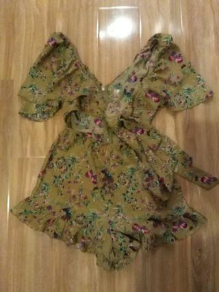 💕Polly floral playsuit xs #SwapAU