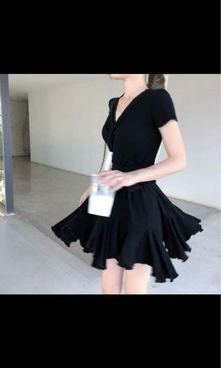 顯瘦韓風V領蝴蝶結上衣+半褶裙Celine Dior chanel ysl Kate spade