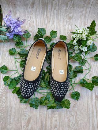 Sepatu slip on wanita murah
