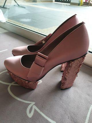 Charles & Keith shoes pump satin pink color