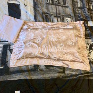 🚚 粉色質感緞面枕頭套x2pcs