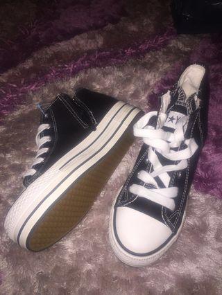Sepatu Converse china