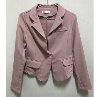 正韓粉色西裝外套
