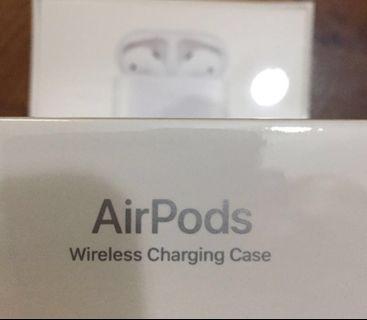 出售 - apple AirPods (2nd) with wireless charging case