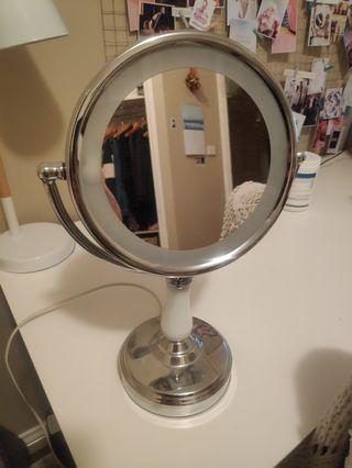 Makeup mirror conair magnifier light