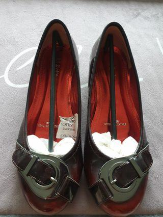 Brown red leather flat shoes