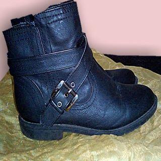 Biker ankle black boots size 7