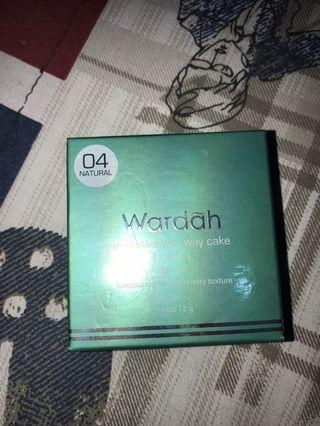 wardah exclusive two way cake (refill) shade 04