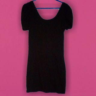 Cute little black casual fitted dress xs