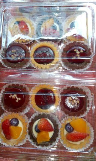 Mini Cheese Fruits Tart & Choclate Tart