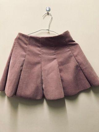 粉紅色百褶裙