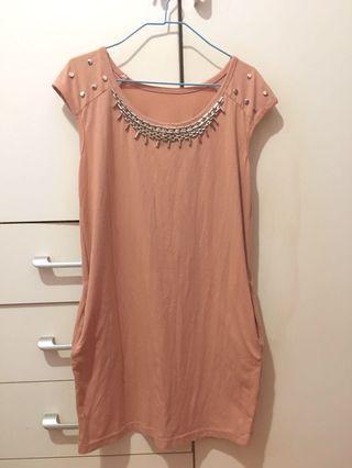 粉紅色連身裙(側面有袋)