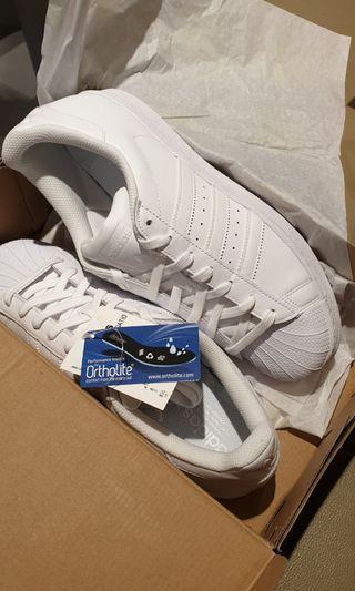 🚚 Adidas Superstar foundation