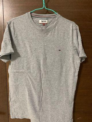 🚚 Tommy Hilfiger T-Shirt
