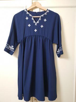 Anticlockwise Embroidery Bell Sleeve Boho Dress (xs)