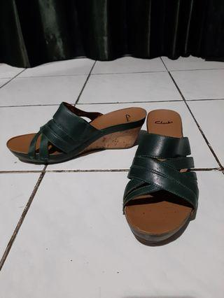 CLARKS slippers