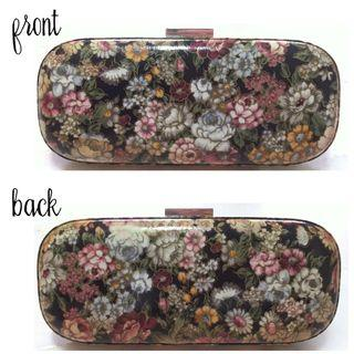 🚚 ✨BN Floral Vintage Clutch, Sling Handbag, Purse with Long Chain, Black case with Flower print, Pegaso Milano