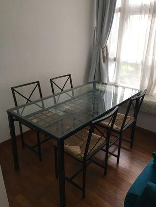 🚚 IKEA dining set dining table and 5 chairs