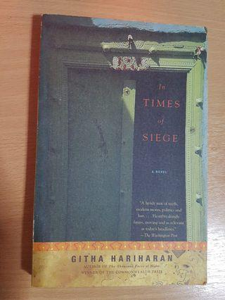 🚚 In times of siege - Githa Hariharan
