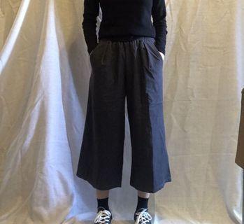 🚚 深灰色挺版寬褲