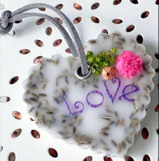 Customised Lavender Scented Sachet Wax Pendant with Personalised Name Message Dried Flowers