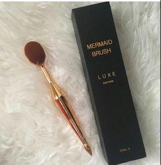 [REDUCED] New Mermaid Brush LUXE EDITION OVAL 3
