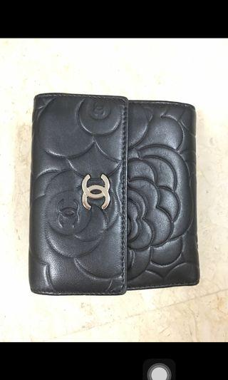 100% authentic CHANEL Wallet in quilted lambskin with exterior