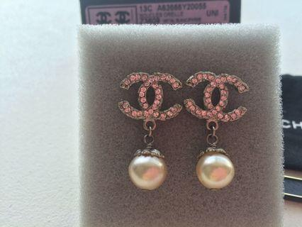 🚚 100% authentic CHANEL Pink Crystal CC Boucles Oreille Metal Earrings