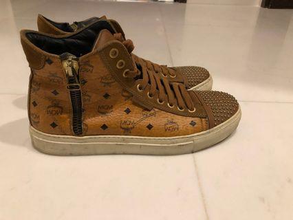 🚚 Authentic MCM shoes for sale!