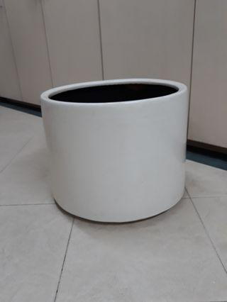Fiber glass pot planter