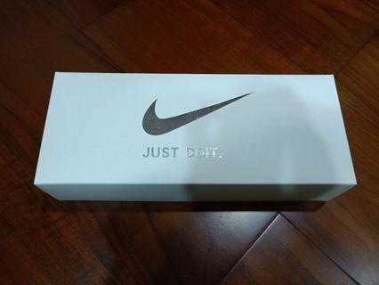 🚚 Nike中筒襪(白)*5(仿)