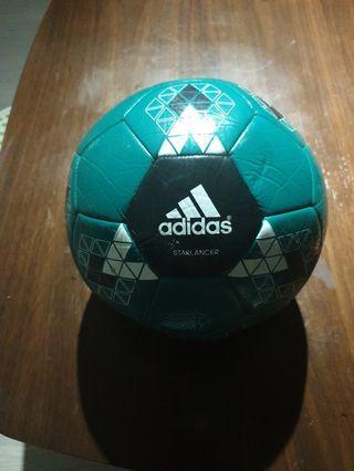 🚚 Soccer ball
