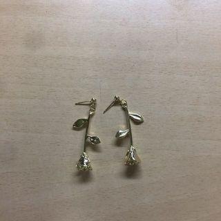 🚚 金色玫瑰耳環