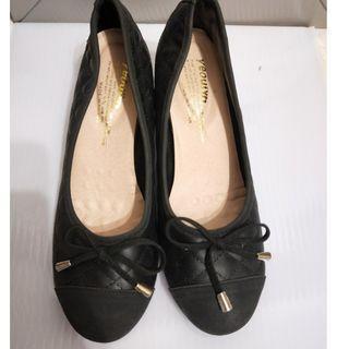 24.5 素面 黑色 圓頭 高跟鞋