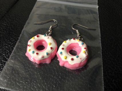 New! FREE Mailing! Pink Doughnut Earrings