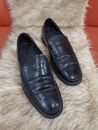80145cbf5a6a Authentic Tods Black Leather Penny Shoes size 7 also fits to size 9 to 9.5  Mens